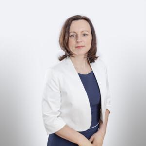 Dr. Anna Heide